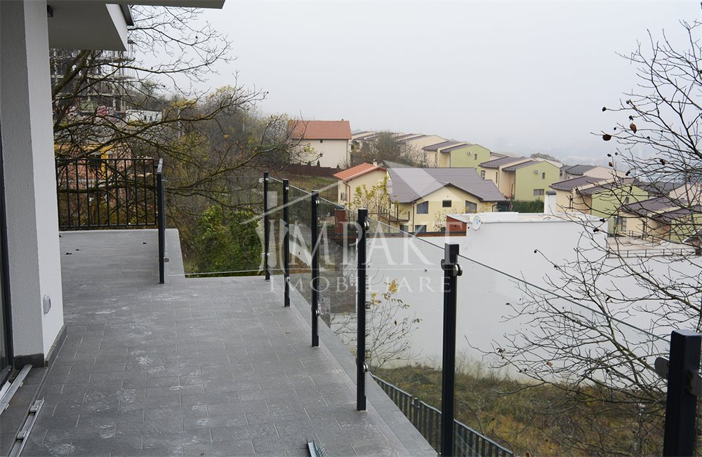 Apartament de vanzare 4 camere  in Cluj Napoca - zona Gruia
