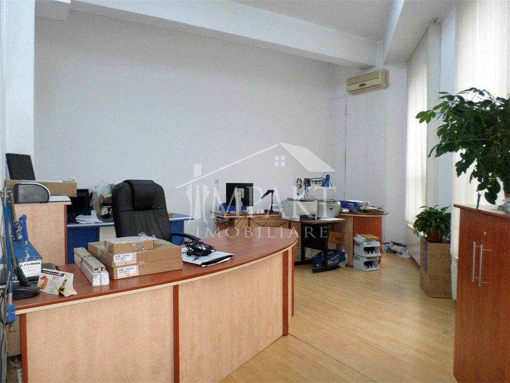 Spatiu de vanzare 3 camere  in Cluj Napoca - cartierul Marasti