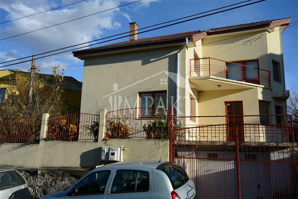 Casa de inchiriat 5 camere  in Cluj Napoca -  Centru