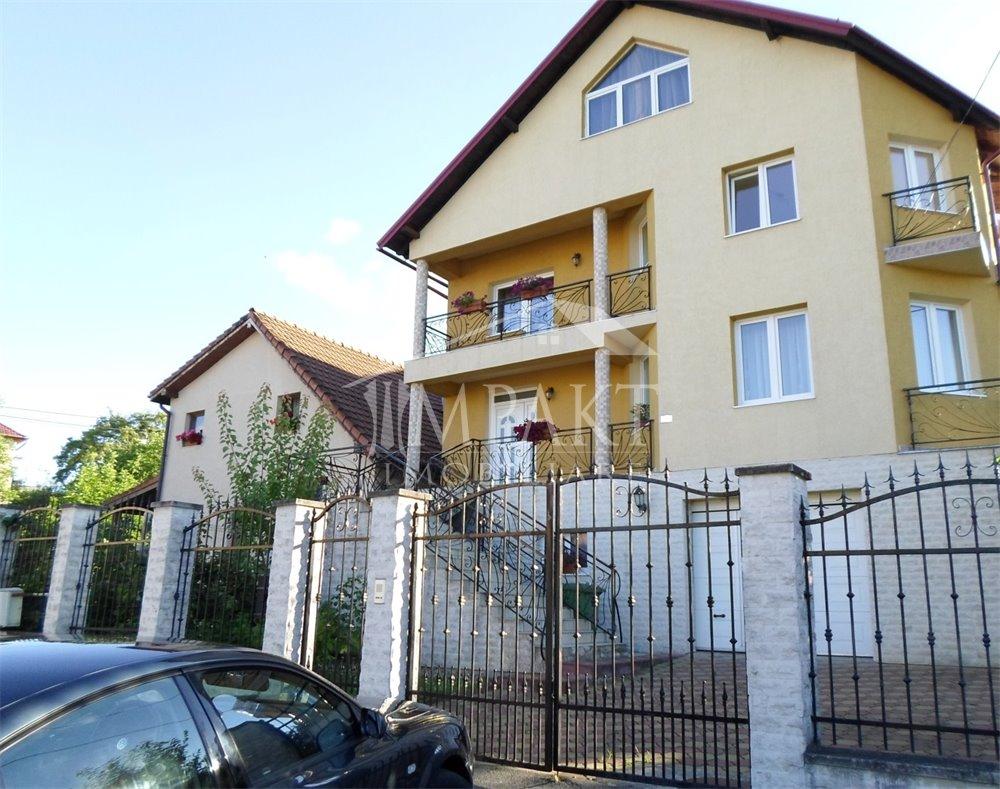 Casa de vanzare 8 camere  in Cluj Napoca - cartierul Zorilor