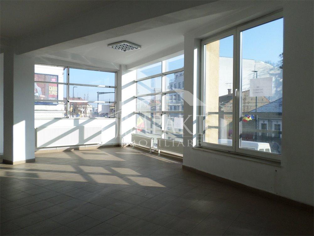 Spatiu de inchiriat 3 camere  in Cluj Napoca -  Centru
