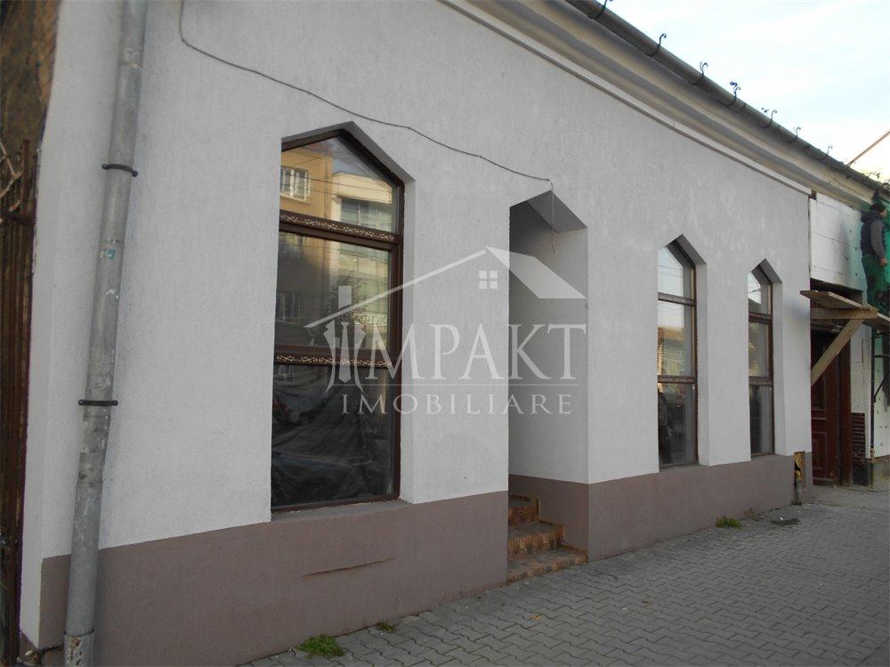 Spatiu de inchiriat 4 camere  in Cluj Napoca -  Semicentral
