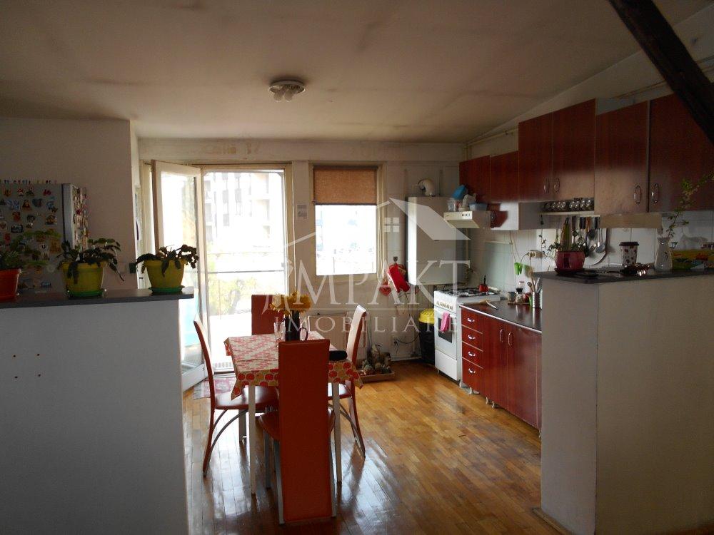 Casa de vanzare 15 camere  in Cluj Napoca -  Centru