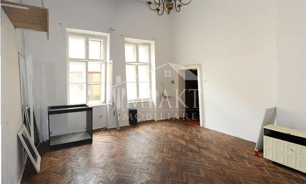 Spatiu de vanzare 2 camere  in Cluj Napoca -  Centru