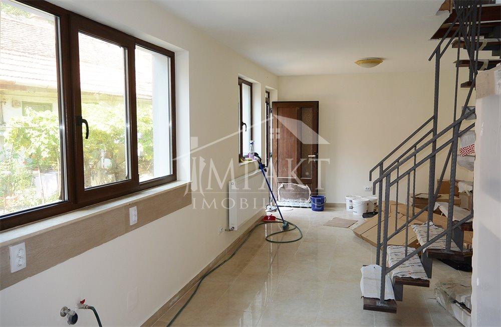 Apartament de inchiriat 3 camere  in Cluj Napoca -  Centru