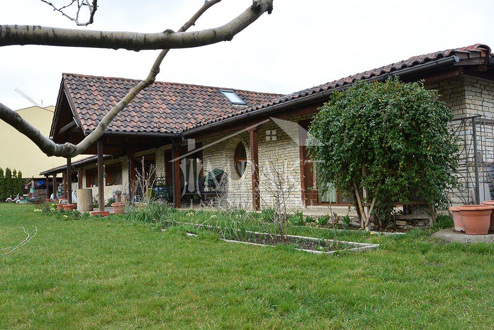 Casa de vanzare 5 camere  in Cluj Napoca - cartierul Zorilor
