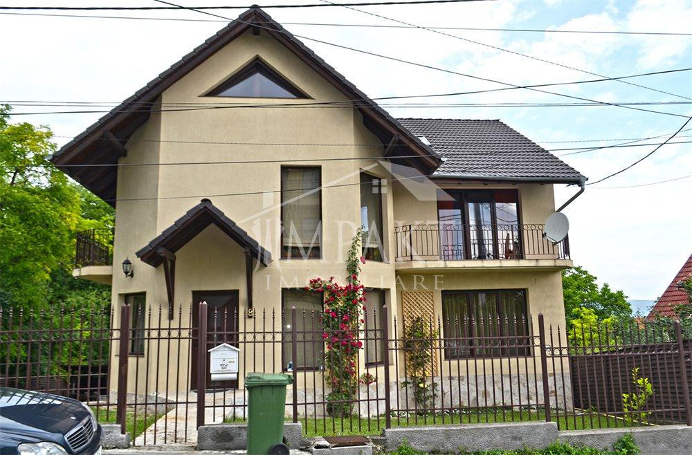 Casa de inchiriat 6 camere  in Cluj Napoca -  Andrei Muresanu