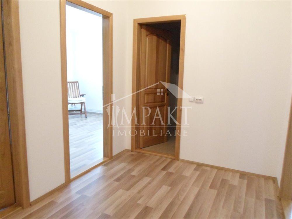 Spatiu de inchiriat 6 camere  in Cluj Napoca -  Centru