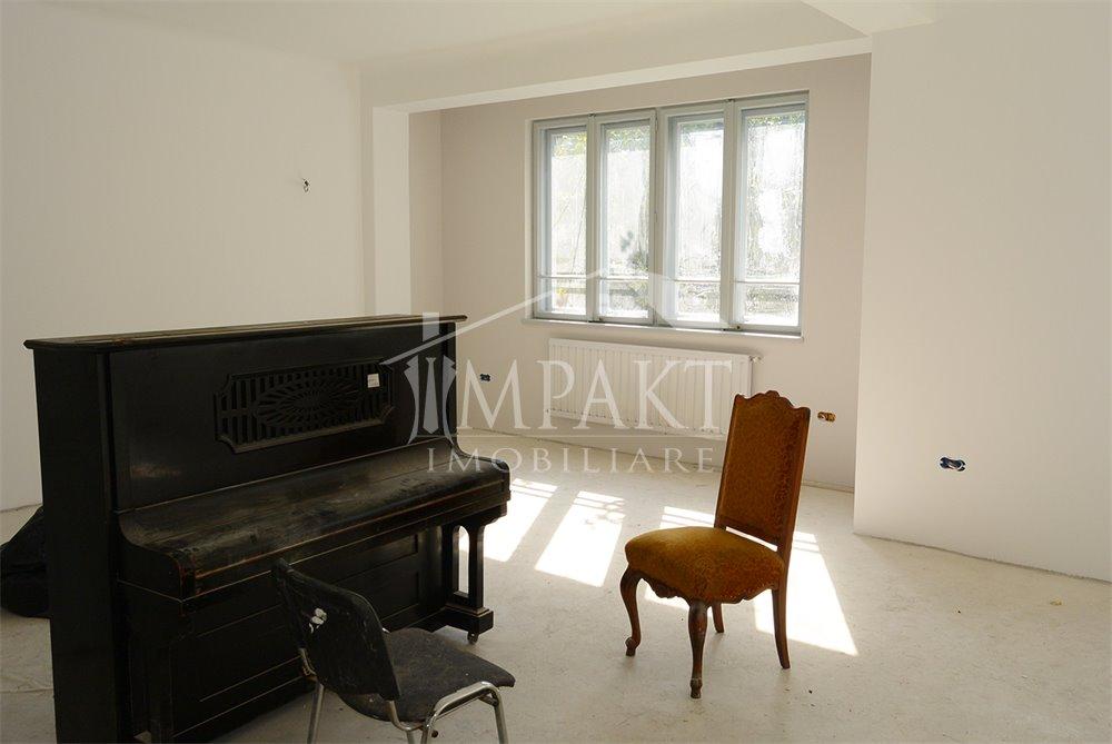 Apartament de inchiriat 4 camere  in Cluj Napoca -  Centru