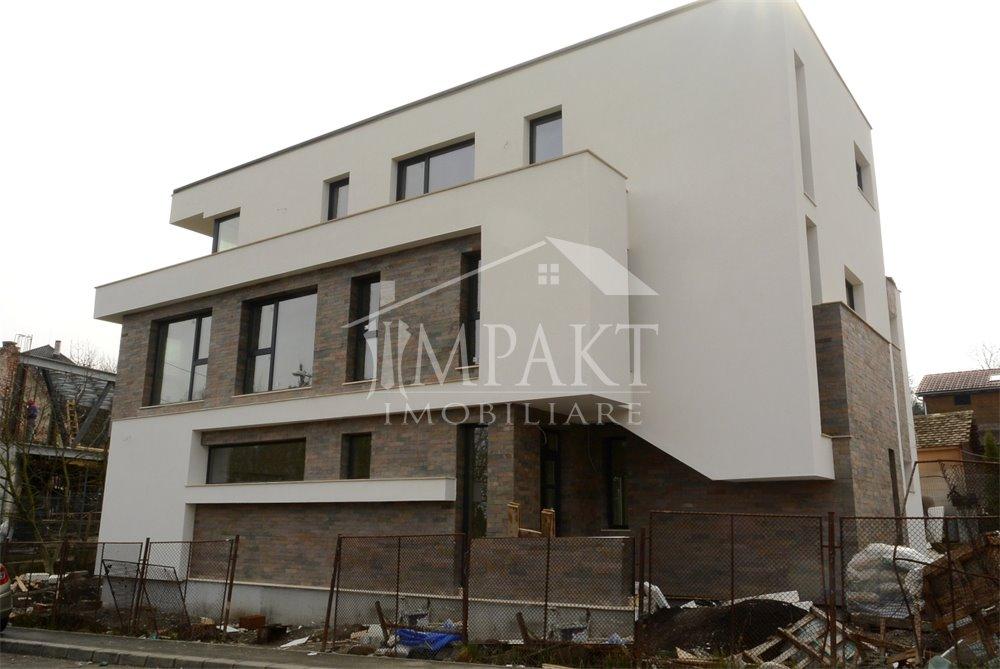 Casa de vanzare 6 camere  in Cluj Napoca -  Andrei Muresanu