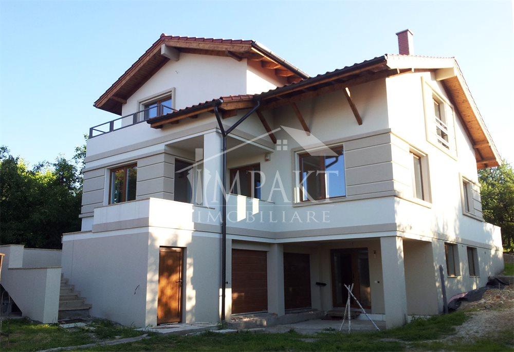 Casa de vanzare 5 camere  in Cluj Napoca -  Andrei Muresanu